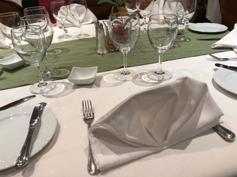 MSCスプレンディダのアラカルトコースレストラン